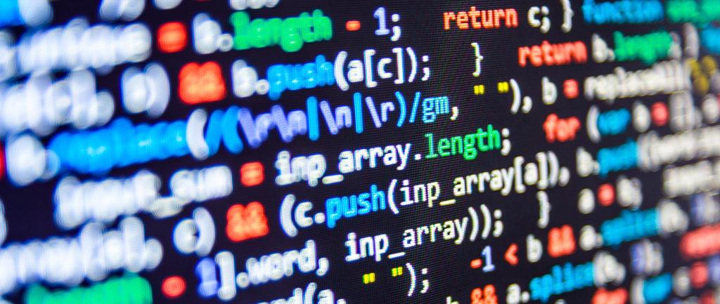 Cyberversicherung - Bildschirm mit Code